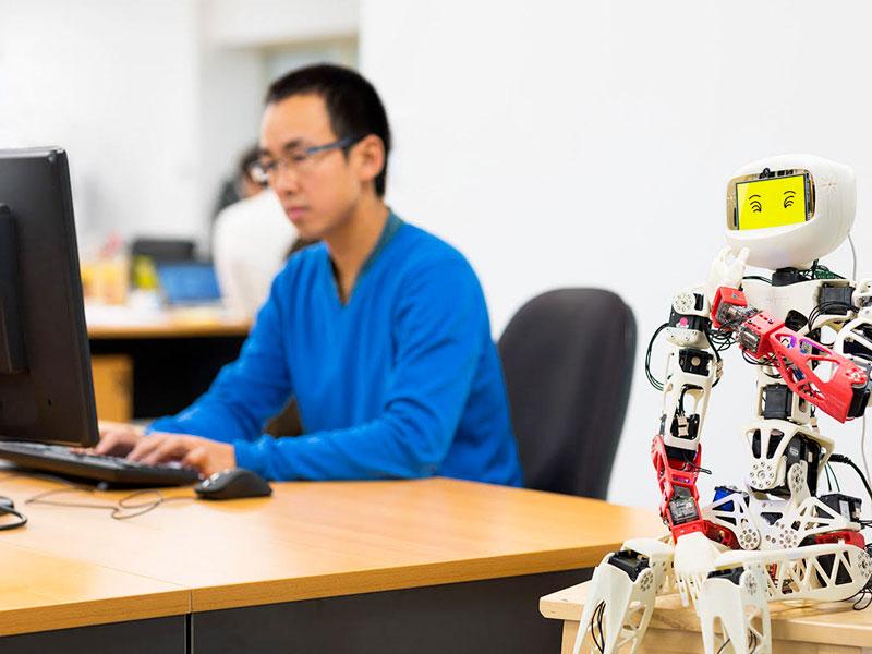 equipe-generation-robots-poppy-damien-robotique-de-service