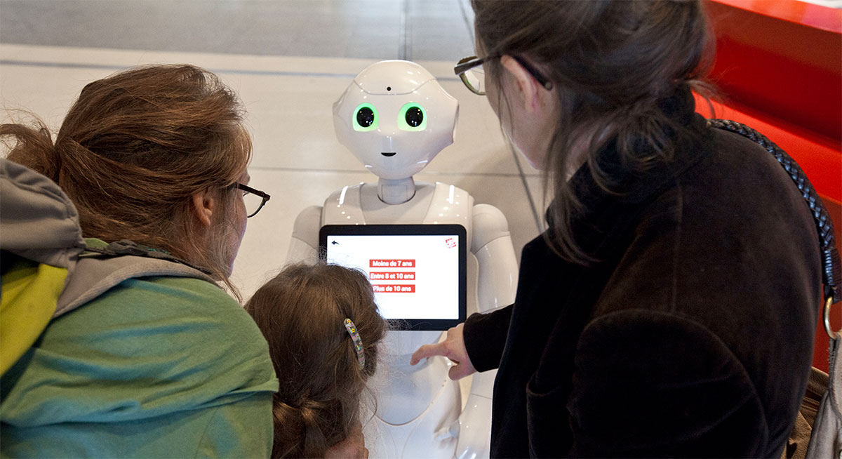 cas-client-univesrscience-pepper-robot-accueil
